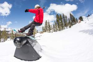 Women Snowboard
